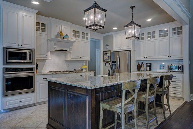 Moderní a hezká kuchyně je zárukou dostatku místa
