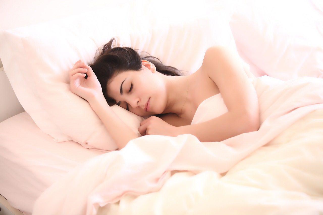 Trpíte nespavostí nebo naopak nespavostí? Hledejte příčiny.